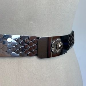 Vintage Fish scale stretch belt with daisy buckle